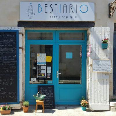 Enseigne pour le café Bestiario à La Rochelle