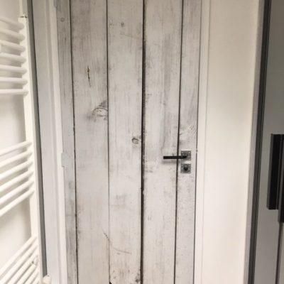 Vinyle sur porte intérieure Le Carré 1705